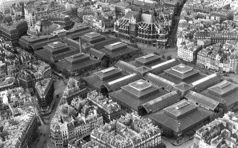Les halles baltard de paris for Architecte st eustache