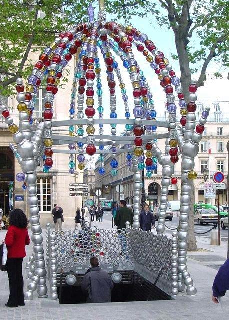 Entr e du metro palais royal mus e du louvre - Musee des arts decoratifs metro ...