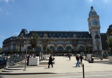 la gare de lyon paris. Black Bedroom Furniture Sets. Home Design Ideas
