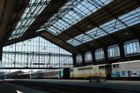 Trains en gare for Train tours paris austerlitz